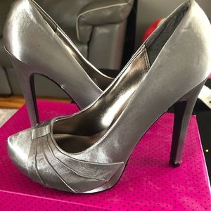 Charlotte Russe Never worm Pumps